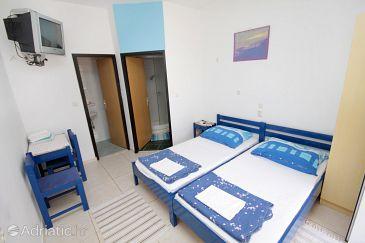 Room S-5545-b - Apartments and Rooms Novi Vinodolski (Novi Vinodolski) - 5545