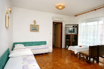 Apartament A-5553-b - Apartamenty Crikvenica (Crikvenica) - 5553