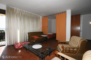 Apartment A-5556-b - Apartments and Rooms Crikvenica (Crikvenica) - 5556