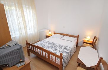 Room S-5560-a - Apartments and Rooms Senj (Senj) - 5560