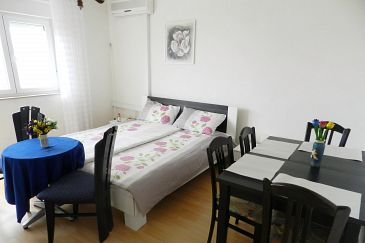 Apartment A-5575-a - Apartments Klenovica (Novi Vinodolski) - 5575