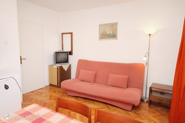 Apartment A-5587-b - Apartments Novi Vinodolski (Novi Vinodolski) - 5587