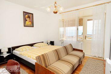 Room S-5588-b - Rooms Novi Vinodolski (Novi Vinodolski) - 5588