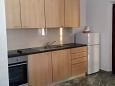 Tri Žala, Kitchen u smještaju tipa studio-apartment, dopusteni kucni ljubimci i WIFI.