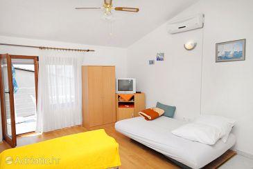 Apartment A-5599-b - Apartments Novi Vinodolski (Novi Vinodolski) - 5599