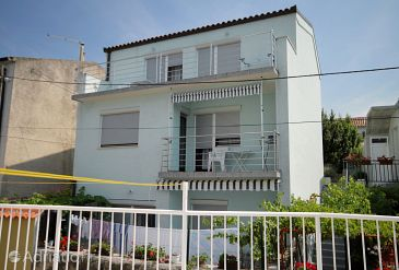 Property Novi Vinodolski (Novi Vinodolski) - Accommodation 5599 - Apartments near sea.
