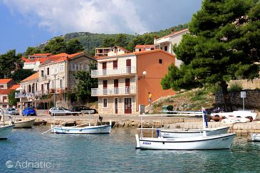 Property Brna (Korčula) - Accommodation 561 - Apartments near sea with sandy beach.