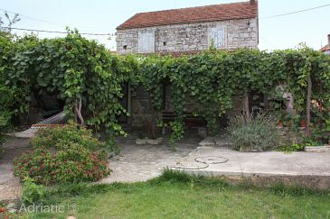 Property Mirca (Brač) - Accommodation 5623 - Vacation Rentals with pebble beach.