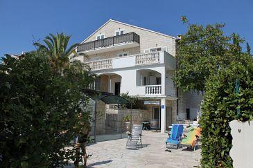 Property Bol (Brač) - Accommodation 5632 - Apartments near sea with pebble beach.
