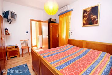 Room S-5645-a - Apartments and Rooms Sumartin (Brač) - 5645