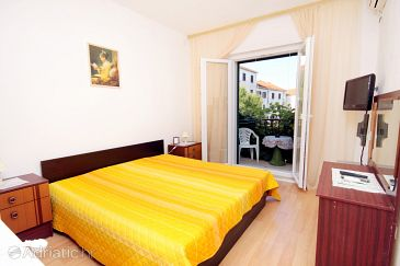 Room S-5658-a - Apartments and Rooms Supetar (Brač) - 5658