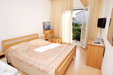 Room S-5658-c - Apartments and Rooms Supetar (Brač) - 5658