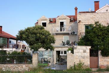 Property Supetar (Brač) - Accommodation 5665 - Apartments with pebble beach.