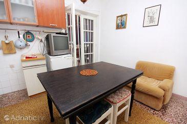 Apartment A-5682-a - Apartments Bobovišća na Moru (Brač) - 5682