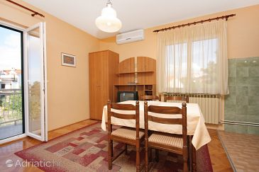 Apartment A-5689-b - Apartments Vodice (Vodice) - 5689