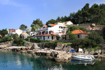 Property Basina (Hvar) - Accommodation 5699 - Apartments near sea with pebble beach.