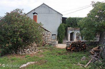 Property Zastražišće (Hvar) - Accommodation 5711 - Vacation Rentals with pebble beach.