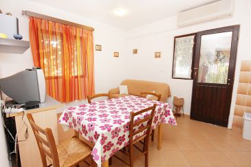 House K-5718 - Vacation Rentals Sućuraj (Hvar) - 5718