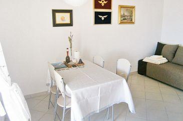 Uvala Torac, Dining room u smještaju tipa apartment.
