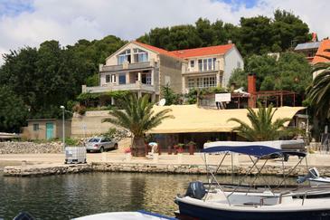Lumbarda, Korčula, Obiekt 576 - Apartamenty przy morzu z piaszczystą plażą.
