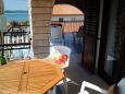 Zadar - Diklo, Terrace 2 u smještaju tipa studio-apartment, s pogledom na more i WIFI.
