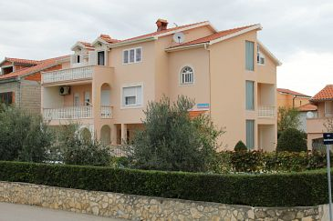 Property Vrsi - Mulo (Zadar) - Accommodation 5796 - Apartments with pebble beach.