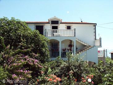 Property Sućuraj (Hvar) - Accommodation 580 - Apartments near sea.