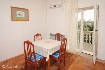 Apartment A-5825-a - Apartments Tkon (Pašman) - 5825