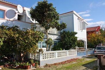 Obiekt Nin (Zadar) - Zakwaterowanie 5836 - Apartamenty z piaszczystą plażą.