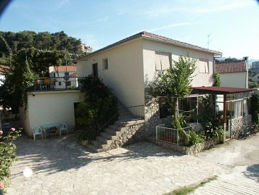 Property Jelsa (Hvar) - Accommodation 584 - Apartments near sea with pebble beach.