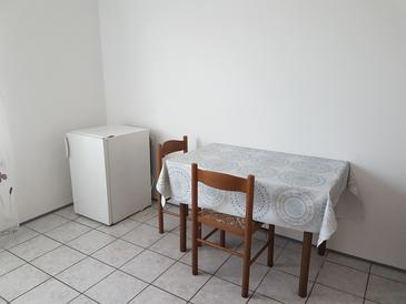 Bibinje, Jadalnia u smještaju tipa studio-apartment, WIFI.