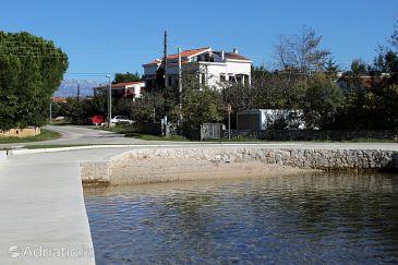 Vrsi - Mulo, Zadar, Property 5848 - Apartments and Rooms blizu mora with pebble beach.