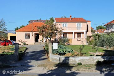 Property Privlaka (Zadar) - Accommodation 5849 - Apartments with sandy beach.