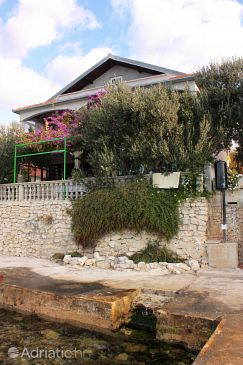 Property Bibinje (Zadar) - Accommodation 5868 - Apartments near sea.