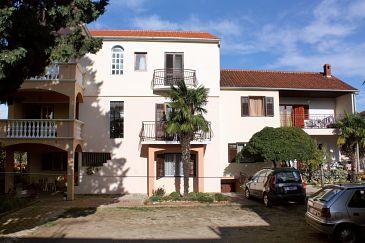 Biograd na Moru, Biograd, Property 5899 - Apartments with pebble beach.