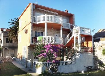 Property Sućuraj (Hvar) - Accommodation 590 - Apartments near sea with pebble beach.