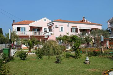 Property Sukošan (Zadar) - Accommodation 5905 - Apartments near sea with pebble beach.