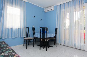Zadar - Diklo, Dining room u smještaju tipa apartment, dostupna klima i WIFI.