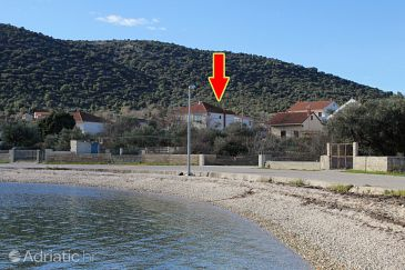 Property Vinišće (Trogir) - Accommodation 5946 - Apartments near sea.