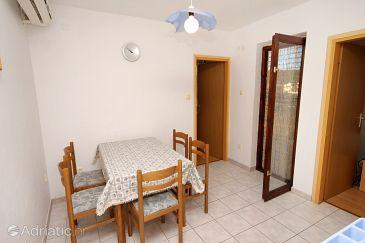 Apartment A-5982-a - Apartments Vinišće (Trogir) - 5982