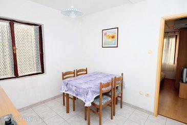 Apartment A-5982-b - Apartments Vinišće (Trogir) - 5982