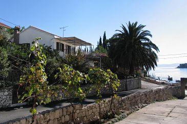 Property Mavarštica (Čiovo) - Accommodation 5992 - Apartments near sea with pebble beach.