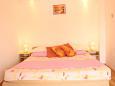 Slatine, Bedroom u smještaju tipa studio-apartment, dostupna klima i WIFI.