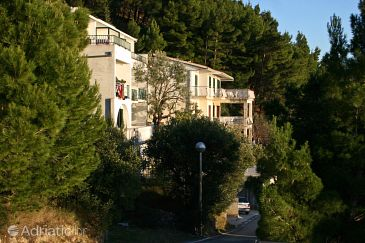 Property Brela (Makarska) - Accommodation 6043 - Apartments with pebble beach.