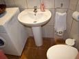 Toilet - House K-6054 - Vacation Rentals Postira (Brač) - 6054