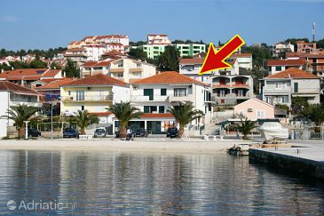 Property Okrug Gornji (Čiovo) - Accommodation 6067 - Apartments near sea with pebble beach.