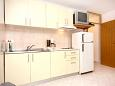 Kitchen - Apartment A-6072-b - Apartments and Rooms Podstrana (Split) - 6072