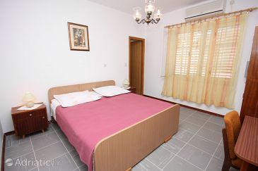 Room S-6072-a - Apartments and Rooms Podstrana (Split) - 6072