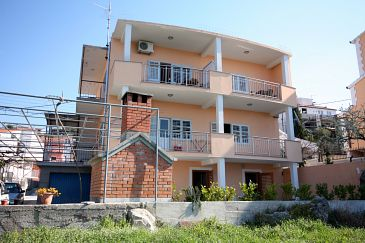 Property Podstrana (Split) - Accommodation 6072 - Apartments and Rooms with pebble beach.