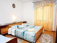 Bedroom 2 - Apartment A-6083-a - Apartments Podgora (Makarska) - 6083